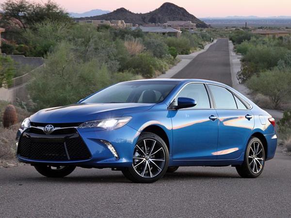Toyota Camry 2017 angular front