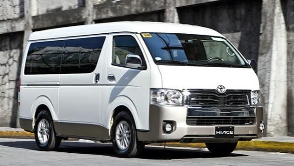 Toyota Hiace 2017 angular front