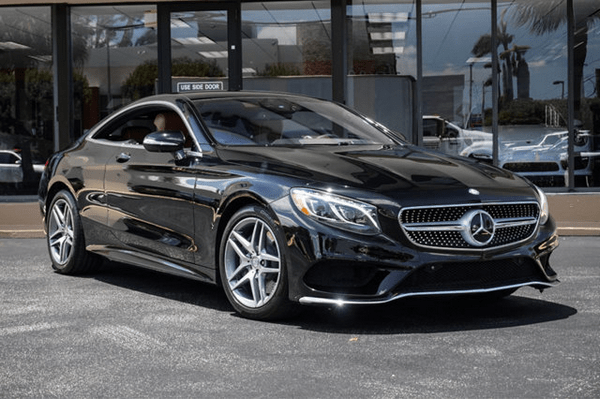 Angular front of the Mercedes-Benz S-Class