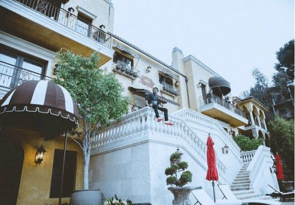 Wizkid-mansion-in-the-US