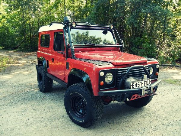 Image-of-a-1980-Land-Rover-Defender-90