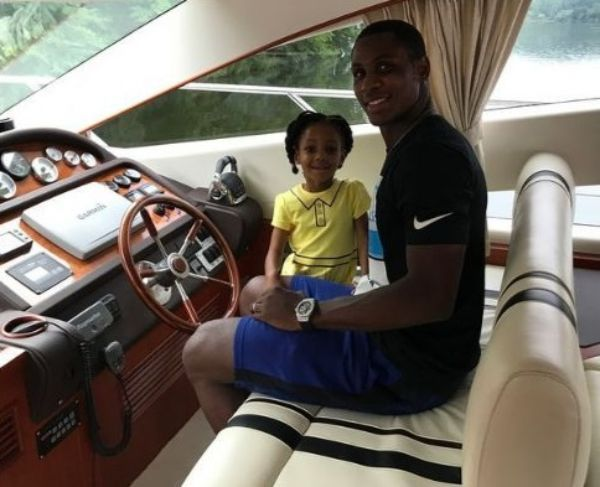 odion-ighalo-car-inside