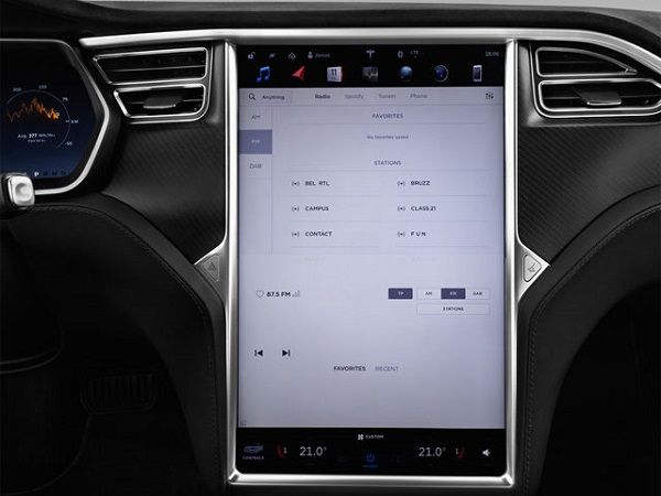 Infotainment-system-of-Tesla-Model-S