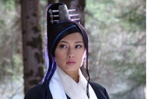 她出身台灣,曾是世界頂級名模,卻被男友騙25億傾家蕩產,直到遇見身價逾300億的富商老公!