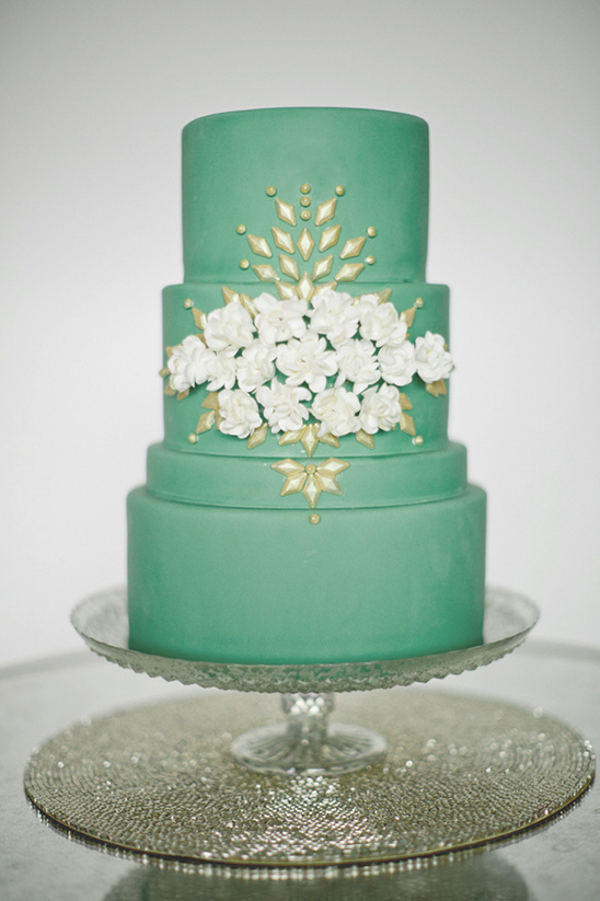 Gentle Mint Green Colored Wedding Cakes