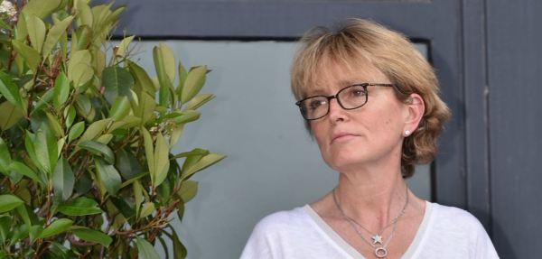 Affaiblie par le départ de Jacques Chirac, Bernadette peut compter sur la présence de sa fille, Claude