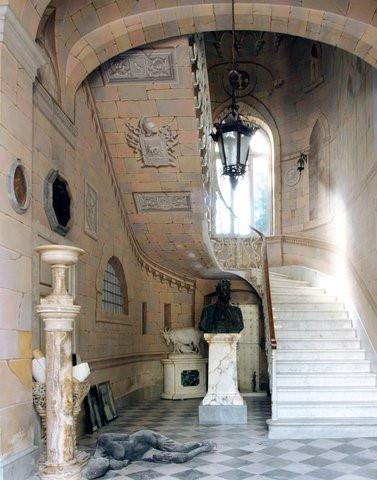 Căn biệt thự bằng đá cẩm thạch của nhà điêu khắc Carlo Nicoli
