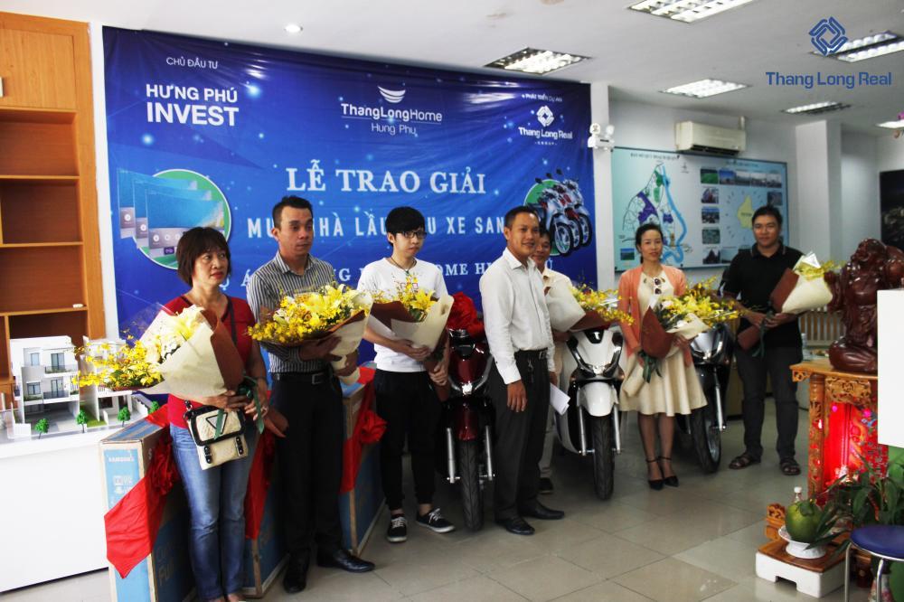 Thăng Long Real Group trao giải cho khách hàng trúng thưởng