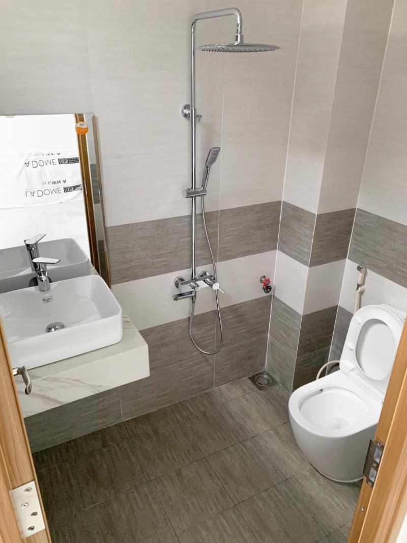 Nhà vệ sinh hiện đại