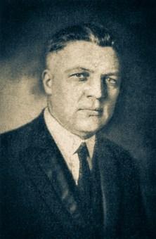 O pastor Peter E. Brodersen (1882-1930) foi secretário do Bureau of Home Missions. Sua presidência na Divis˜åo Sul-Americana se estendeu de julho de 1924 até junho de 1926.
