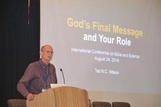 Pastor Ted Wilson, líder mundial de los adventistas, dijo que los profesores da la red deben posicionarse como creacionistas.