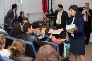 Entrega de materiales para los participantes en San Felipe