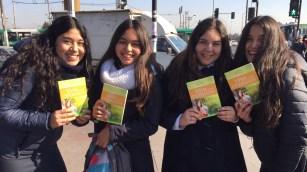 Distribucion libro a escolares