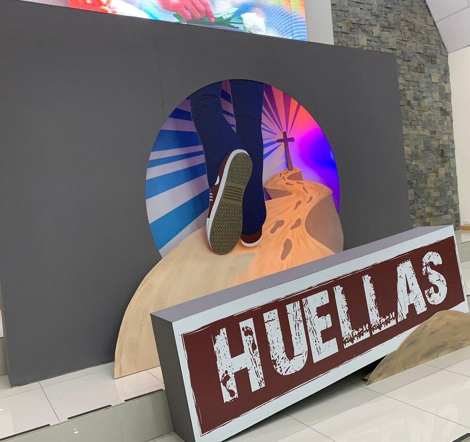 Slogan movimiento Huellas.
