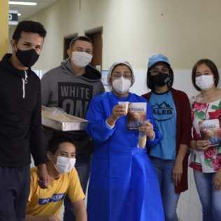 Jóvenes valientes entregando esperanza en el Hospital regional de Caacupé