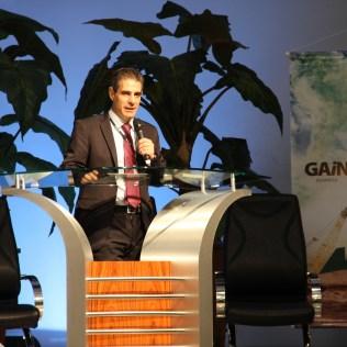 Pastor Toninho Tostes, diretor da Rede Novo Tempo, abriu o Encontro.