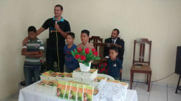 Na IASD Santa Isabel, crianças que conheceram a igreja adventista através do Impacto 2014.