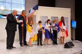 Crianças participam de encenação que destacou o papel desempenhado pelos clubes de Desbravadores e Aventureiros