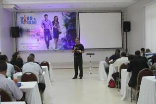 Orador do Concílio, Denilson Franco, ex-colportor e pastor da IASD Central de Goiânia.