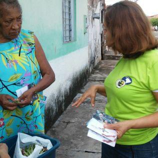 Distribuição de convites para a semana santa no bairro Bacuri