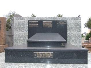 Túmulo do alemão que faleceu aos 69 anos provavelmente vítima de Mal de Parkinson.