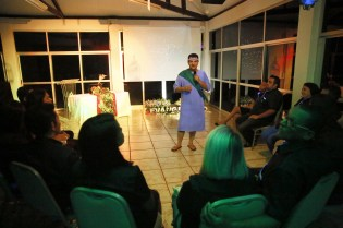 Pastor Adilson fala aos obreiros