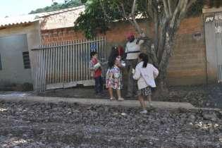 Entrega teve a participação de crianças, jovens, adultos e idosos
