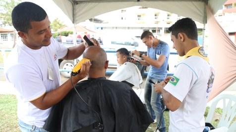 feira-de-saude-cordeiro-corte-de-cabelo