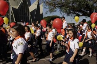 Mobilização reuniu cerca de 6 mil pessoas em maringá