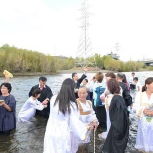 Além dos batismos, a Igreja na região realiza, também, projetos de discipulado.