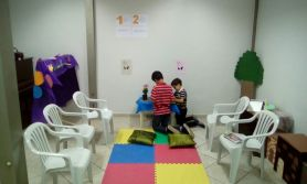 Nova geração também estava envolvida no projeto. Diversas igrejas fizeram um cantinho de oração especialmente para as crianças.