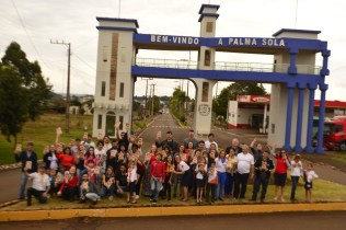 Fiéis distribuiram literaturas em Palma Sola (SC).