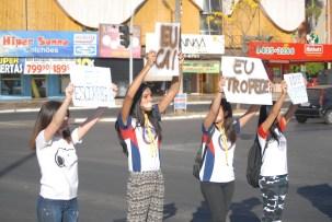 Encenações foram apresentadas em frente à estação de metrô do Guará