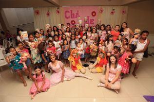Chá de Bonecas reuniu meninas para orientar sobre violência sexual de forma lúdica. (foto: Ulisses Pompeu)
