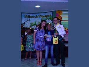 Jonathan, Gabriela e Lucas no dia do batismo.