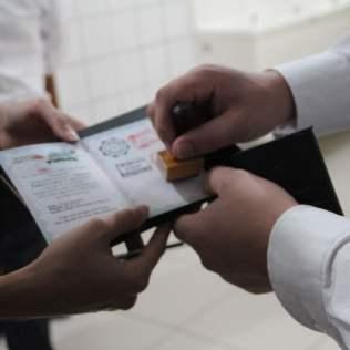 Os visitantes receberam um passaporte simbólico, como indicação da viagem cultural