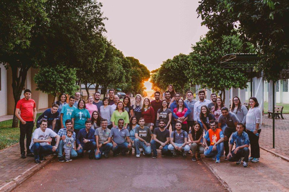Servidores da Igreja Adventista no oeste do PR participaram de um dia de missão impactando uma cidade sem presença adventista.
