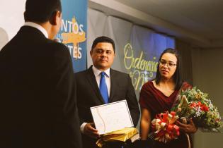 Pr. Márcio e Djamila recebem as felicitações pela ordenação