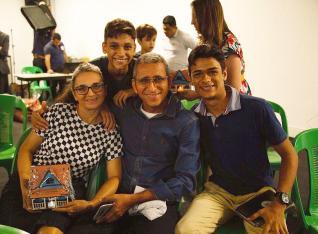 Pr. Zacarias e família