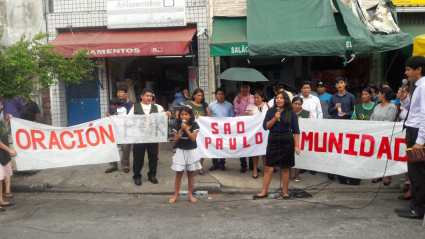 Cinco igrejas da Missão Global Hispano saíram às ruas para orar por São Paulo.