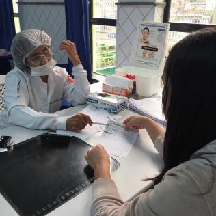 Consultas com dentistas são oferecidas em postos de atendimento para o Dia da Compaixão