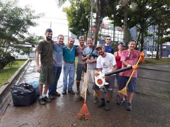 Nem mesmo dia chuvoso desmotiva engajamento do grupo.[Foto: Bem pelo Bem].