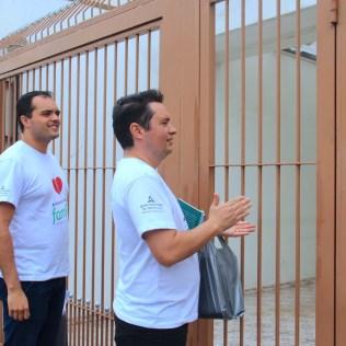 Colaboradores da Paulista Leste visitam casas do bairro Vila Matilde (Foto: Vanessa Moraes)
