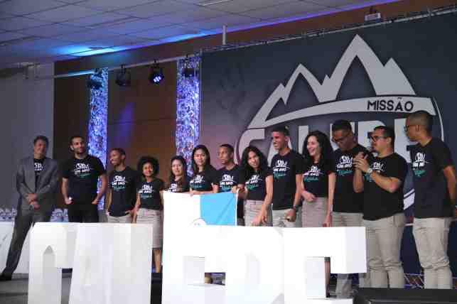 Voluntários do Projeto Um Ano em Missão também da Paulista Leste também marcaram presença (Foto: Maxwell Santana)