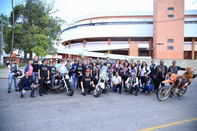 Grupo de motociclistas que participou da ação. (Foto: Leonardo Leite)