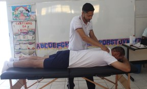 Sessão de massagem relaxante. (Foto: Renata Paes)