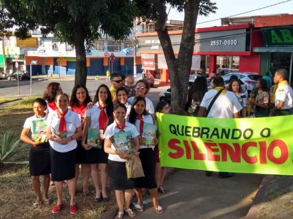Mulheres foram as praças alertar população(Foto: Divulgação)
