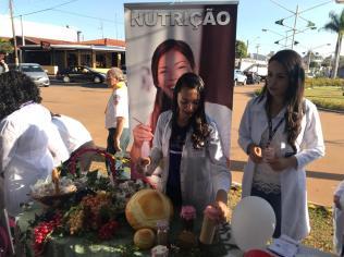 lém de informações contra abuso sexual, a população recebeu informação nutricional e atendimento em uma feira de saúde