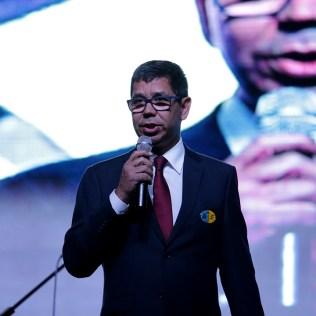 Pastor Montano de Barros, presidente da ANP, participou da vigília.
