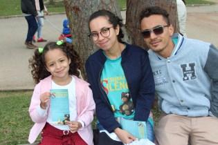 Família se envolve nas ações do projeto no Parque do Carmo (Foto: Maxwell Oliveira(